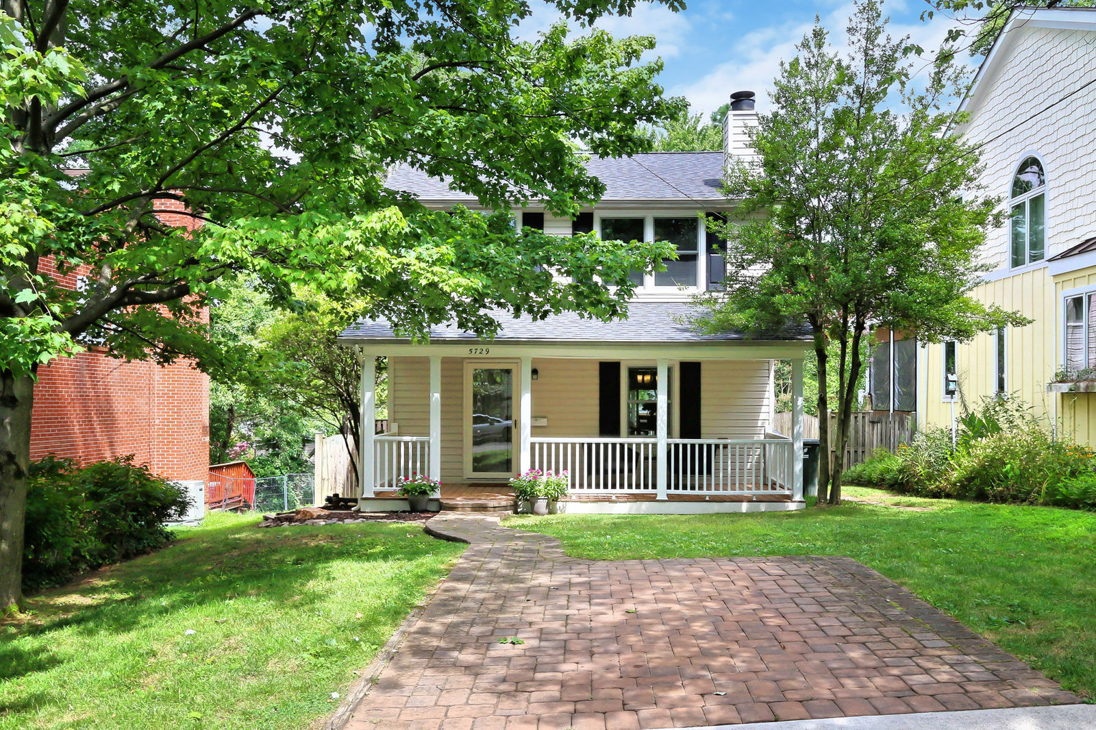 This Arlington Virginia home Located on a quiet cul-de-sac just a few steps from the W&OD bike trail